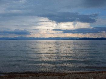 DSCN0054湖岸の空.jpg
