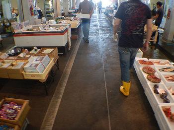 DSCN0264 魚市場.jpg