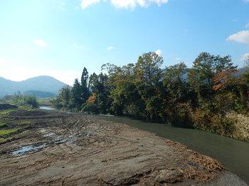 DSCN4131 崖の上流全景.jpg