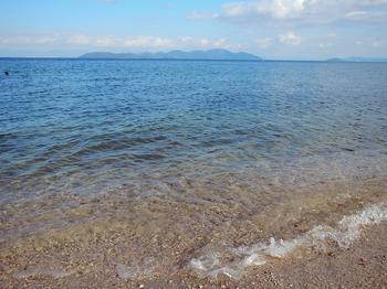 DSCN7687 風吹きすさぶ浜.jpg