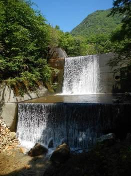 堰堤雄滝と雌滝.jpg