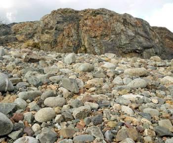 岩と石.jpg