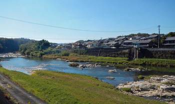 川と村.jpg