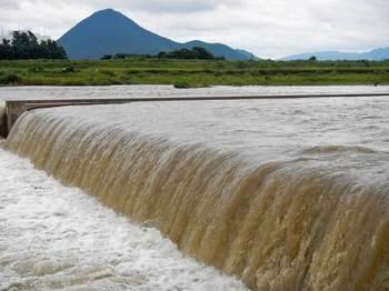 濁流の野洲川.jpg