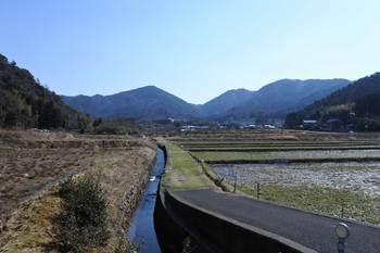 菅湖東岸から東をみる.jpg