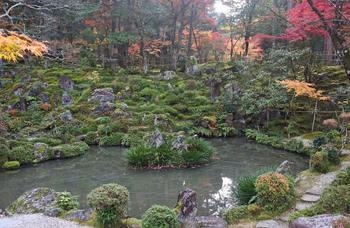 西明寺の池.jpg