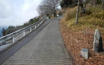 遠見山への入り口.jpg