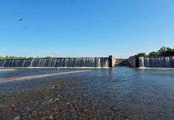 野洲川堰堤の下.jpg