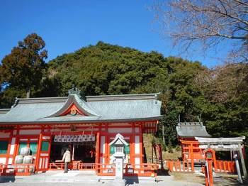 阿須賀神社と蓬莱山.jpg